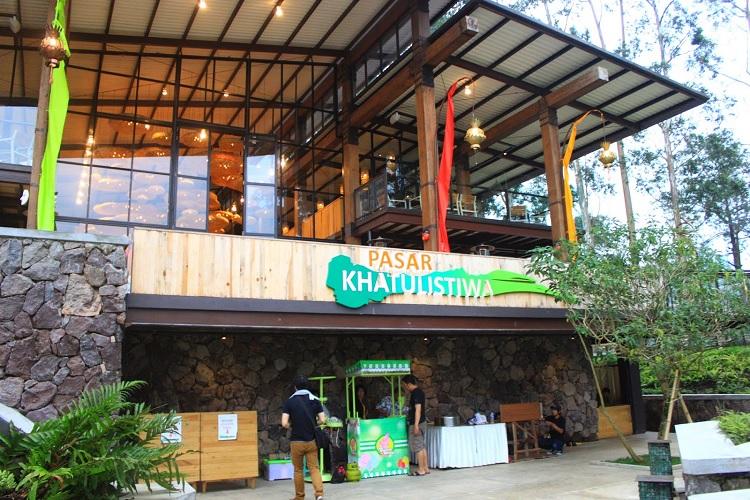 pasar khatulistiwa di dalam resort dusunbambu lembang tempat wisata primadona bandung utara